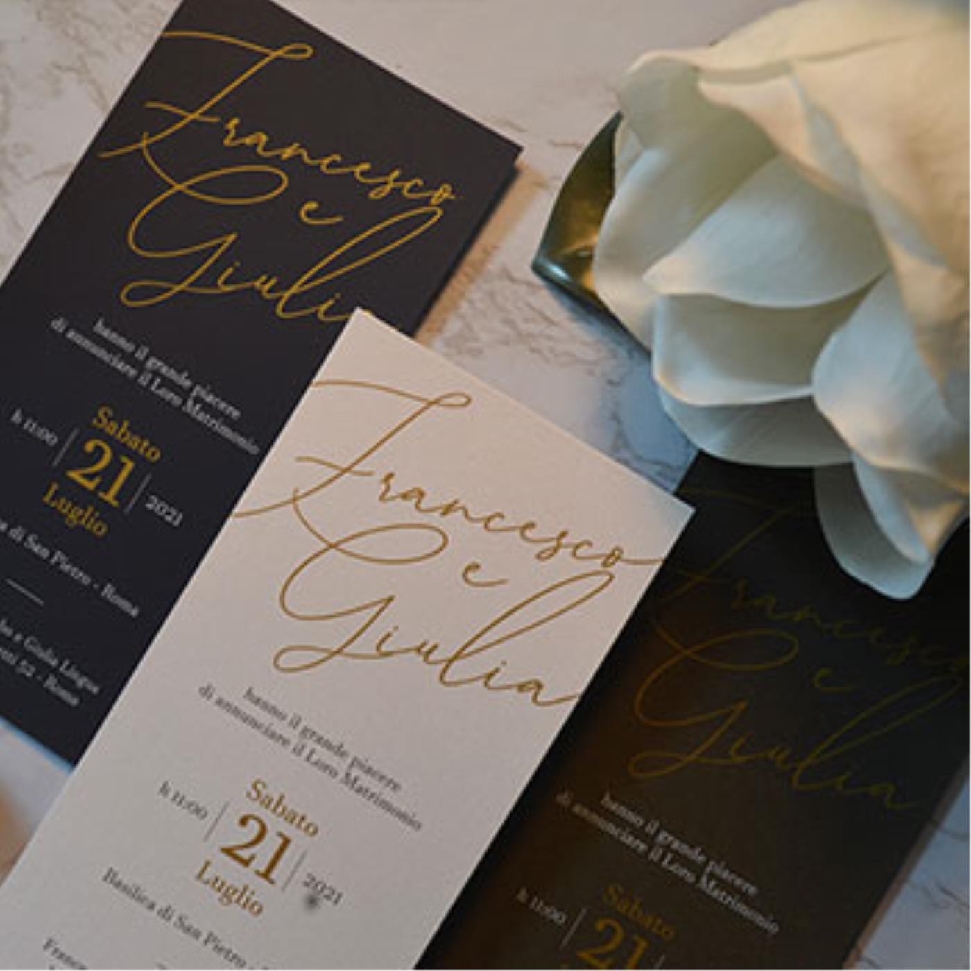 Partecipazioni in bianco e oro