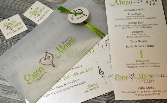 Partecipazione a tema musica color Greenery + biglietto bomboniera quadrato + menu classico