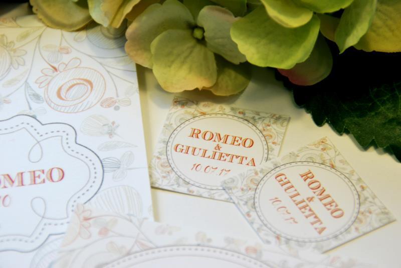 FIORI PASTELLO - Partecipazione con fiori dai toni pastello, romantica e informale