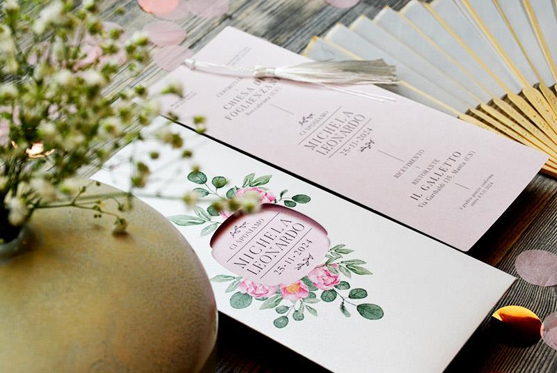 PEONIE - Partecipazione elegante, con peonie e nappa bianca in seta