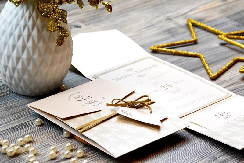 DANDELION - Partecipazione pocket fold, con texture a soffioni, delicata, in bianco e perla