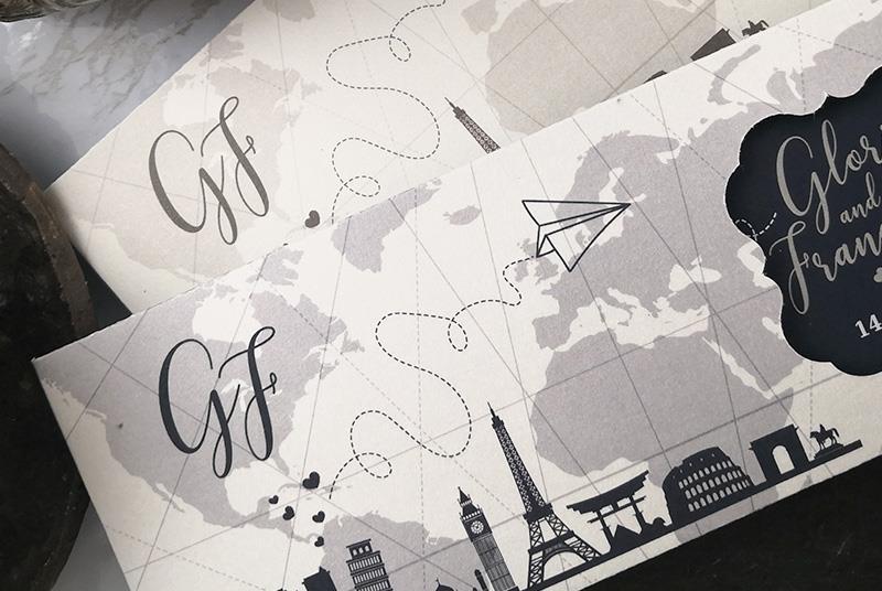 IN VOLO - Partecipazione a tema Viaggio: traiettoria di un aeroplano di carta