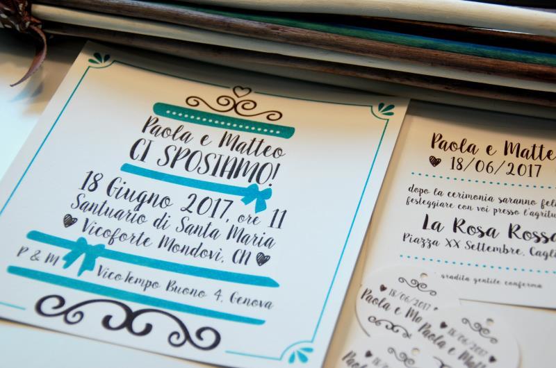 WEDDING CAKE. Partecipazione frizzante, con testo disposto a forma di torta nuziale